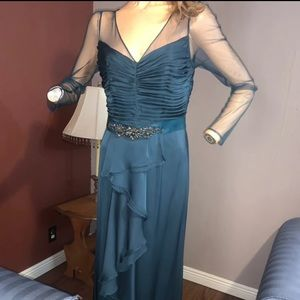 Adrianna Papell Green Formal Gown